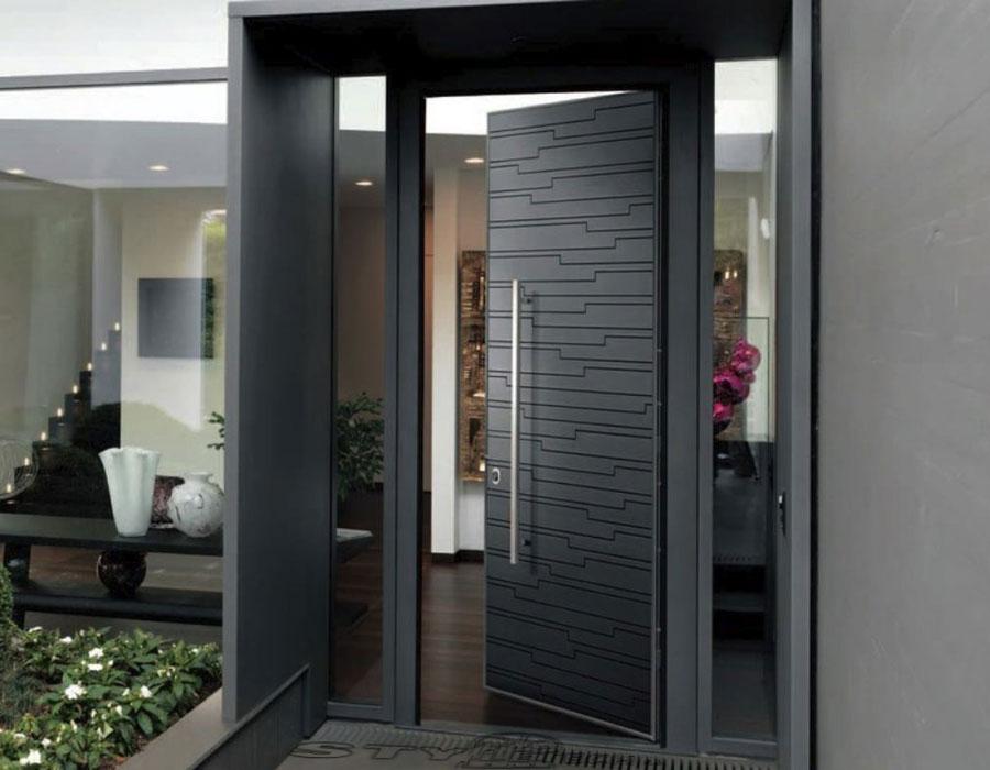 Θωρακισμένες πόρτες .
